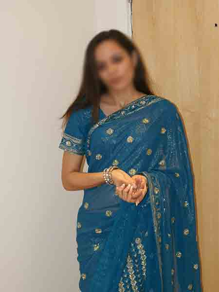 kirti-house-wife-escorts-in-delhi